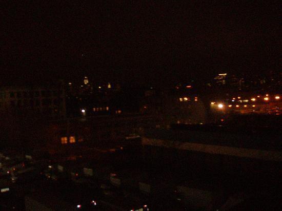 Hotel Le Bleu: Dalla finestra di notte
