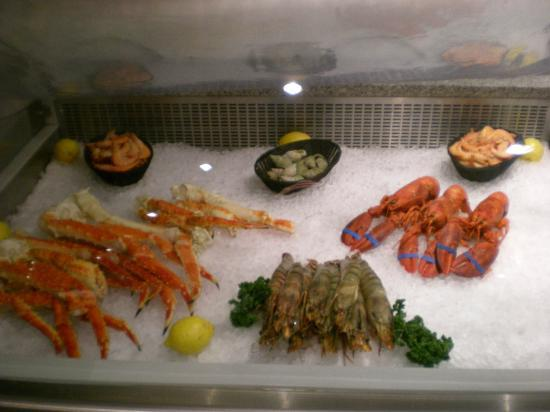 La Perdrix Blanche : All seafood is neatly on display