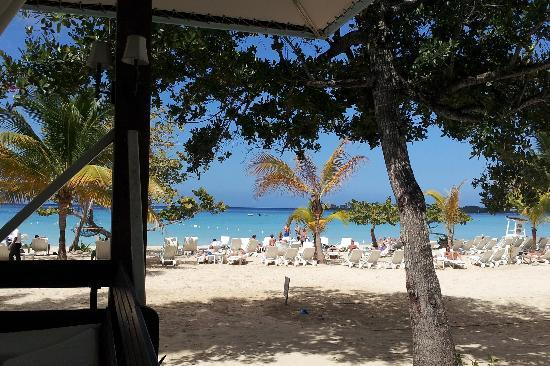 Couples Negril: The beach.