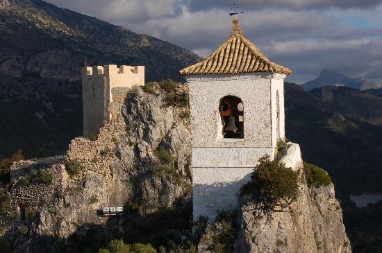 Guadalest Valley : a cute church