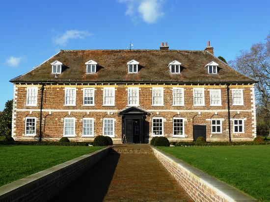 Hall Place and Gardens: Hall Place - south front.