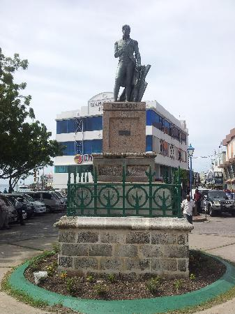National Heroes Square: Nelson