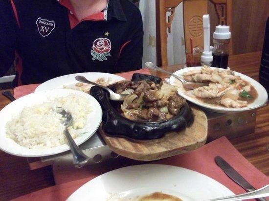 Golden Bay : Fried Chicken w/ Hoi Sin Sauce, Tiepan Beef & Egg Fried Rice