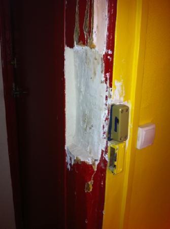 Hotel du Commerce: room door 2