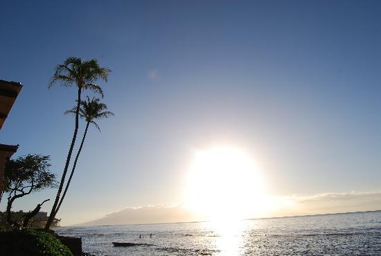 Nohonani Condos: Sunset 2