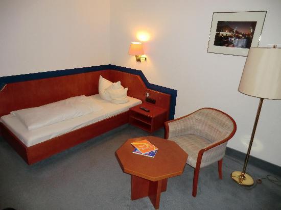 Hotel Bellevue: Bett