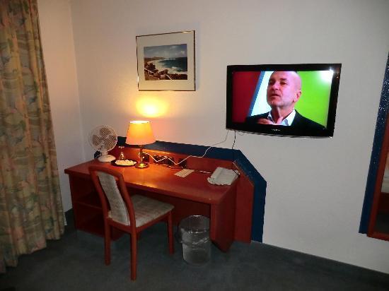 Hotel Bellevue: Schreibtisch