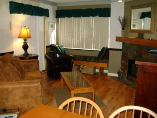 Marketplace Lodge: Living area