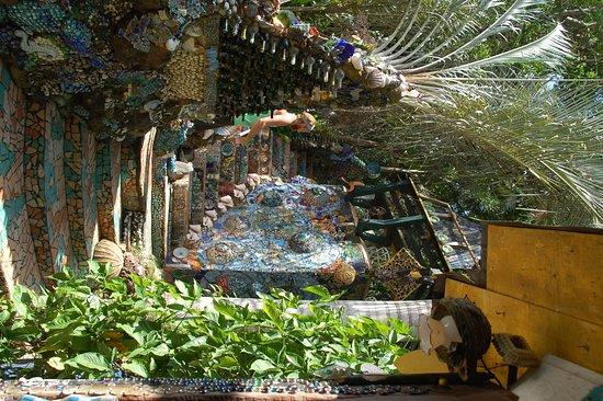 Nightland Cabins at JadeSeahorse: :Le site en entier est une création artistique.