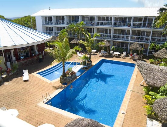 The Melanesian Port Vila: Poolside