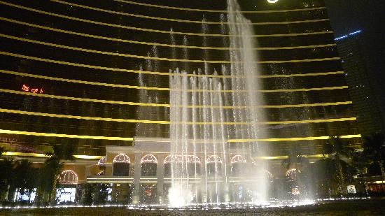 Performance Lake at Wynn Palace: Performing Lake at the Wynn(4)