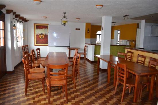 Hotel Acoma : Breakfast/bar area