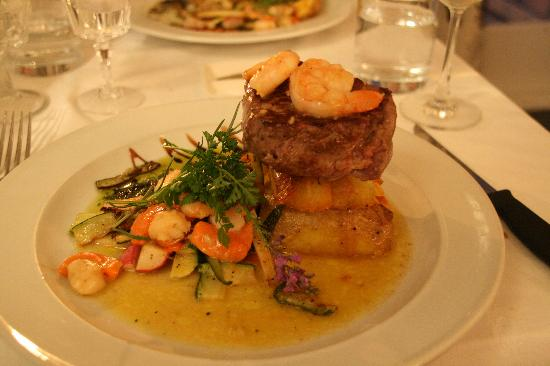 Escape to Picton Boutique Hotel: Surf and turf... nom nom.
