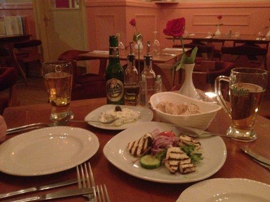 Zorba Mediterranean Taverna:                   giammas !!