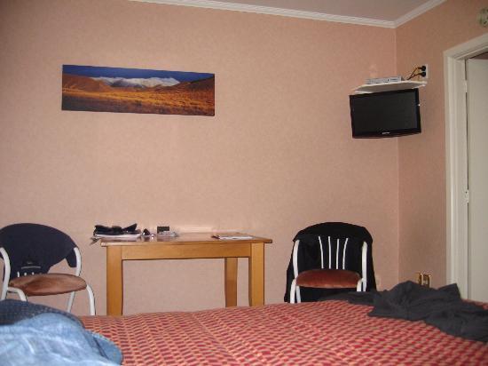 綠地汽車旅館張圖片