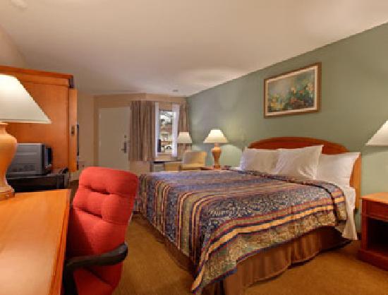 Super 8 Raleigh: Kingsize Bedroom