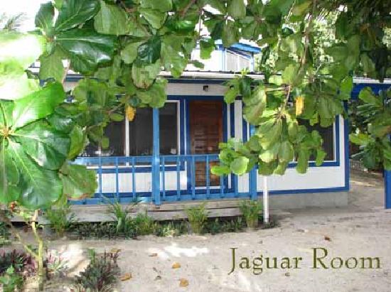 Maya Beach Hotel: Beachfront rooms