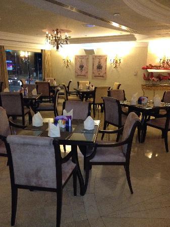 Sheraton Khalidiya Hotel: Sheraton Khalidiya restaurant
