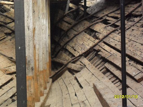 Edwin Fox Maritime Museum: Preserved not restored.