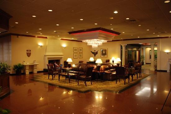 DoubleTree by Hilton Hotel Flagstaff: Hotel Lobby