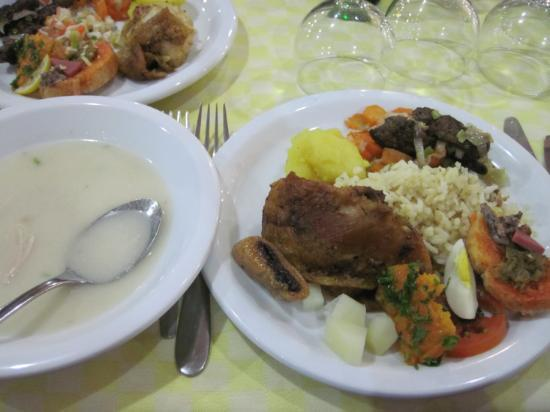Amina Hotel : 夕食バイキング