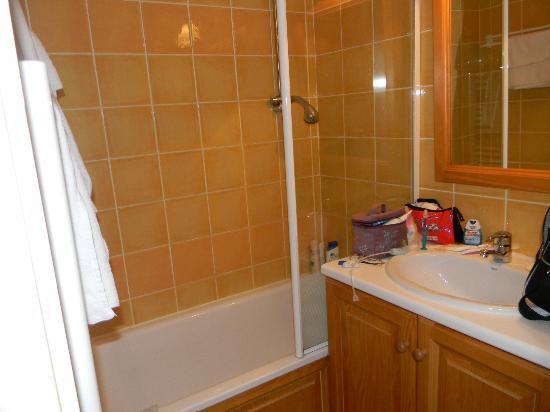 Pierre & Vacances Residence Le Pedrou: salle de bain