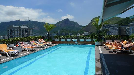 Golden Tulip Ipanema Plaza: Rooftop pool