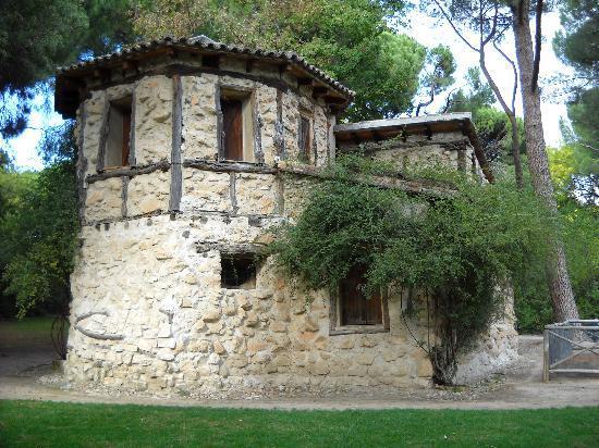 La casa de la vieja picture of parque de el capricho madrid tripadvisor - La casa del parque ...