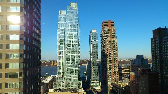 YOTEL New York at Times Square West: Vista desde la cabina en la planta 24.