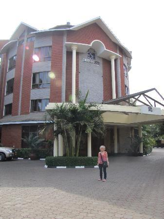 Kibo Palace Hotel: Front entrance