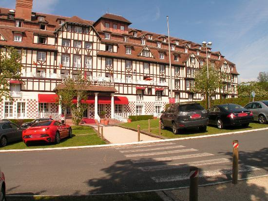 L 39 h tel picture of hotel barriere l 39 hotel du golf for Hotels deauville