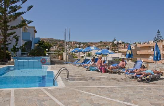 Belvedere Hotel Agia Pelagia: Pool view