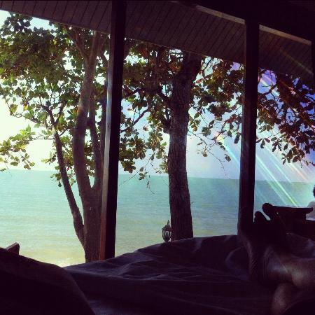 Rajapruek Samui Resort: Sunsets beachfront.. pic from the inside out