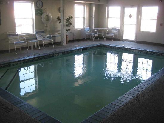 La Quinta Inn Kansas City North: Pool