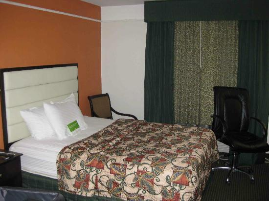 La Quinta Inn Kansas City North: comfortable beds