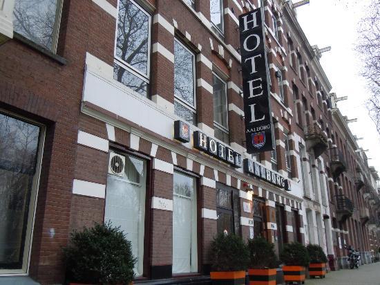Aalborg Hotel Amsterdam: ホテルの外観は街並みに溶け込んでおり、いい感じです