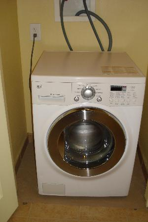 washer/dryer combo i never used - Picture of Avista Resort