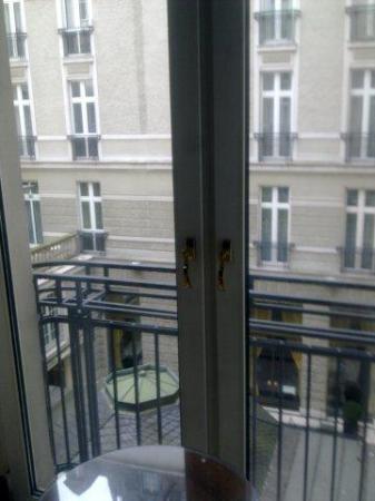 Excelsior Hotel Ernst: Innenhof