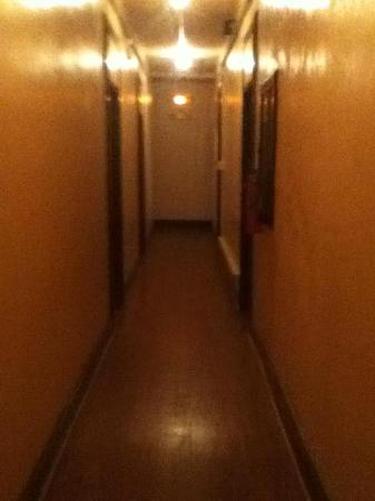 Cassadaga Hotel: hallway