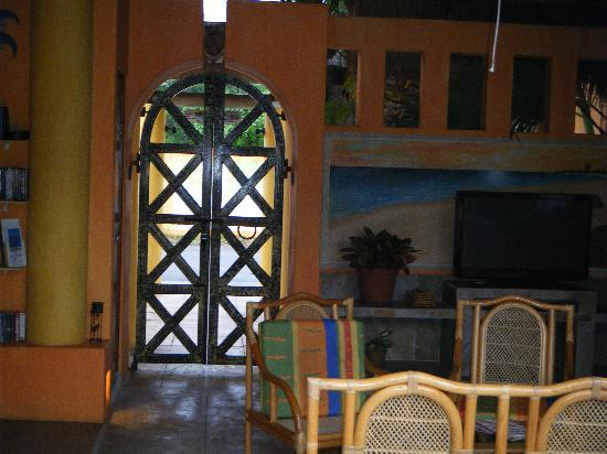 Casita de Maya: Pretty courtyard and we felt so safe here