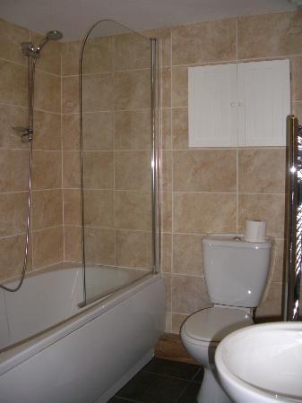 Woodlands Windermere : Very clean bathroom