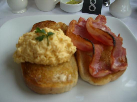 Woodlands Windermere: Eggs & Bacon...