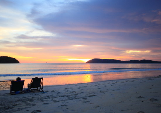 Holiday Villa Beach Resort & Spa Langkawi: A view of Beach during Sunset