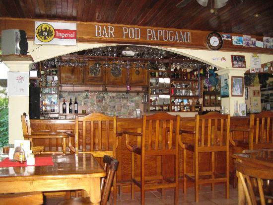 Hotel Las Tres Banderas : El bar y comedor