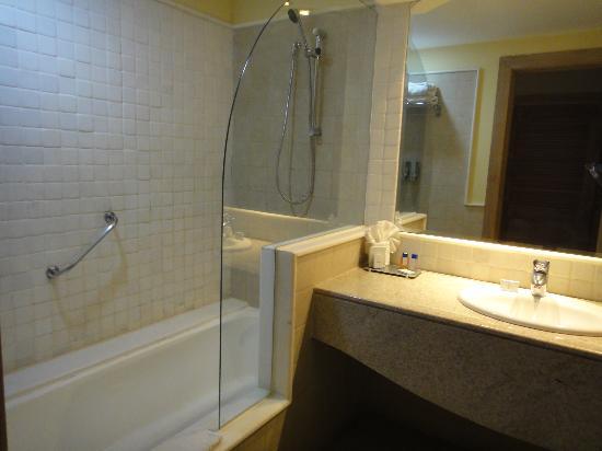 Iberostar Bahia: baño de la habitacion