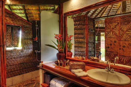 Tahaa, Fransız Polinezyası: FARE PEA ITI salle de bain bungalow jardin