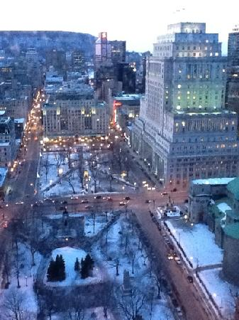 Montreal Marriott Cau Champlain Hotel And Room View Of Downtown Quebec