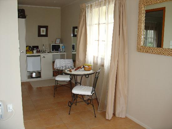 Waipoua Lodge: Le coin Kitchenette