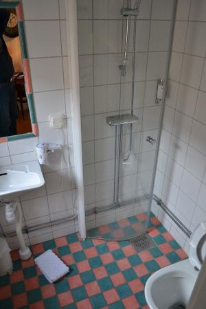 Hotel Maria: Single room: Bathroom