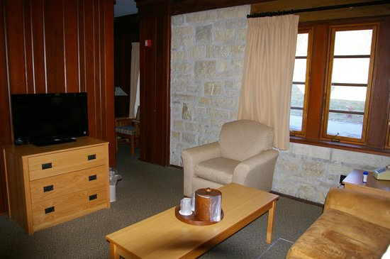 Pere Marquette Lodge Conference Ctr Bw Premier Collection Cabin Living Room